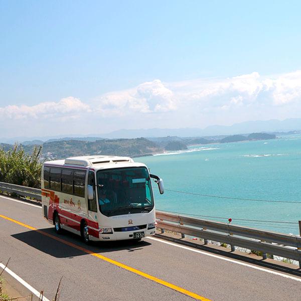 海辺を走る龍神バス
